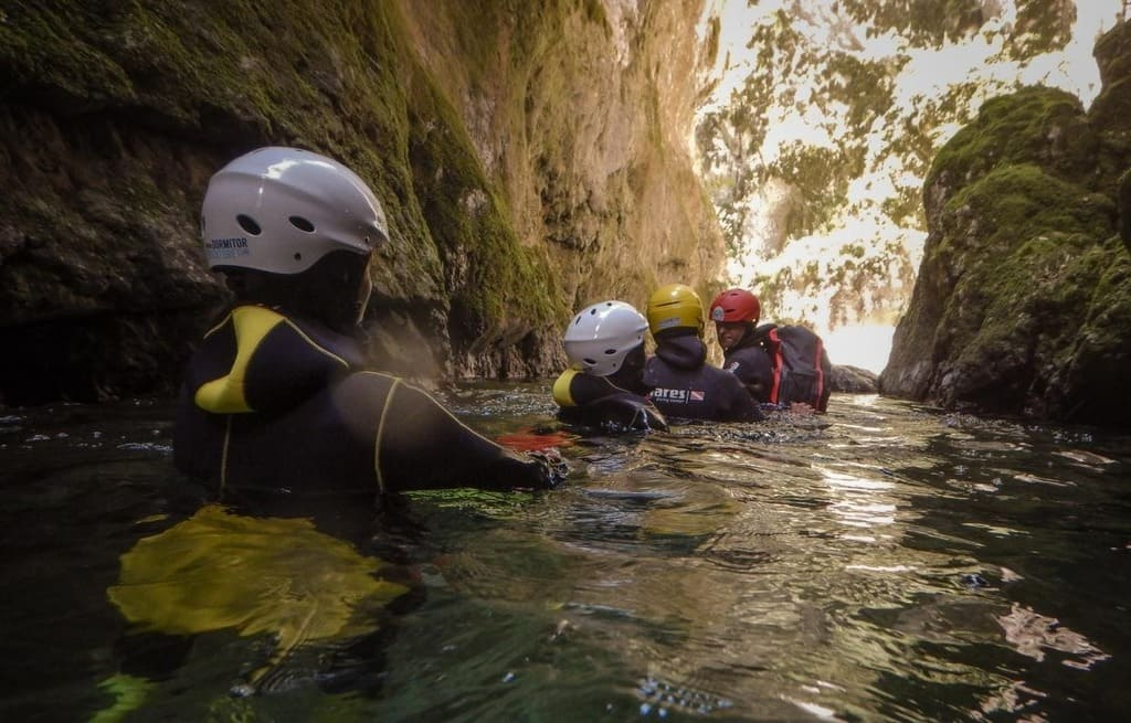 outdoor activity canyoning montengro4