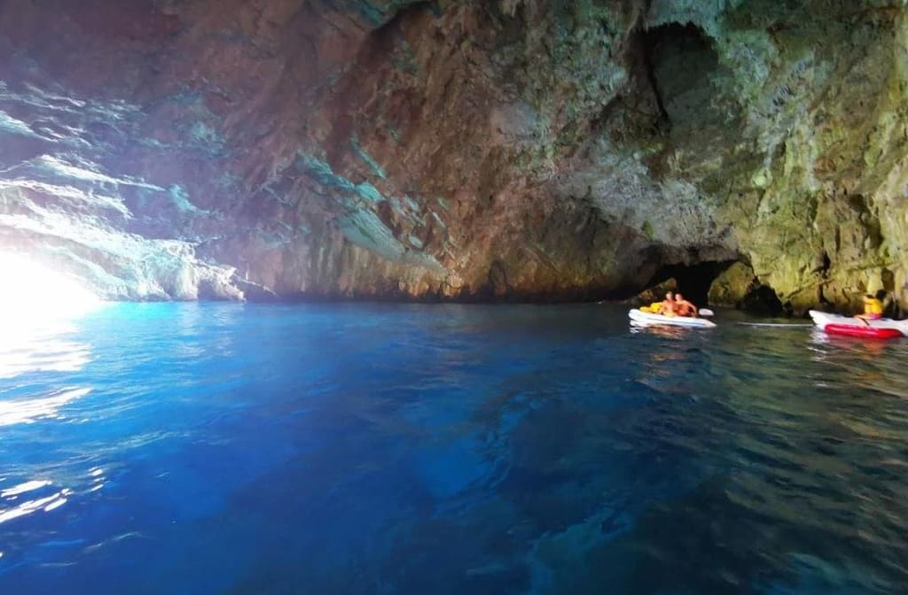 montenegro caves blue